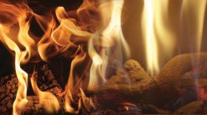 atmosfera-unica-fuoco-naturale-a-legna-e-gas